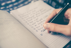 how to be a good car salesman includes using the checklists you make!